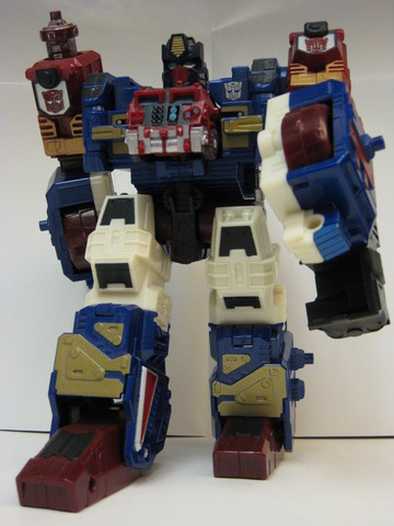 Transformers Sentinel Maximus BotCon Exclusive