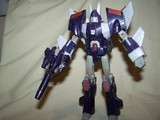 Transformers Cyclonus w/ Nightstick Classics Series thumbnail 18