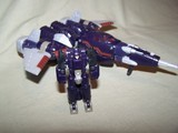 Transformers Cyclonus w/ Nightstick Classics Series thumbnail 21