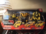 Transformers Bumblebee ('08 Camaro) Transformers Movie Universe thumbnail 0