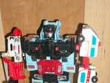Transformers Defensor Generation 1 4dcc4d6e34766621960000d4
