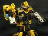 Transformers Huffer w/ Cali-Burst Power Core Combiners thumbnail 0