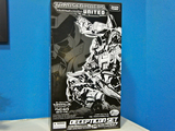 Transformers Cyclonus w/ Nightstick Classics Series thumbnail 27