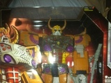 Transformers Unicron w/ Dead End (Toys R Us Exclusive) Classics Series thumbnail 0