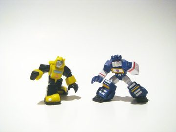 Transformers Bumblebee vs. Soundwave Transformers Movie Universe (Takara)