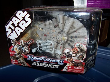 Transformers Millennium Falcon (30th Anniversary) Star Wars Transformers