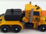 Transformers Huffer w/ Cali-Burst Power Core Combiners