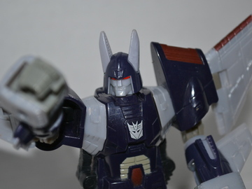 Transformers Cyclonus w/ Nightstick Classics Series